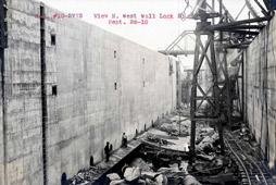 BargeCanal_Construction_lock_NYSArchives.jpg