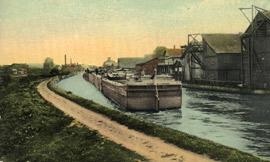 Palmyra_postcard_Erie-Canal.jpg